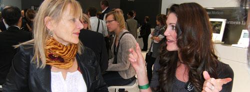 EUHA 2010 Besucherinnen im Gespräch Artikelbild